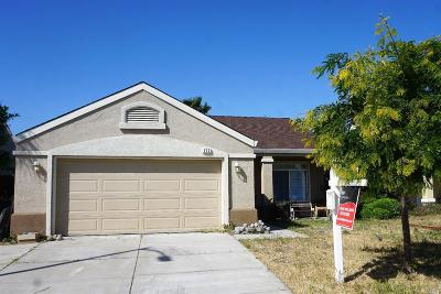 Single Family Home For Sale: 717 Allender Way