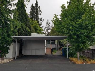 Rohnert Park Mobile Home For Sale: 195 Walnut Circle #123