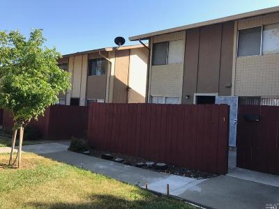 Vallejo Condo/Townhouse For Sale: 440 Corcoran Avenue #1