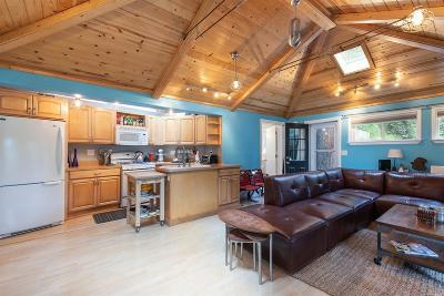 Sonoma County Single Family Home For Sale: 21491 Starrett Hill Drive
