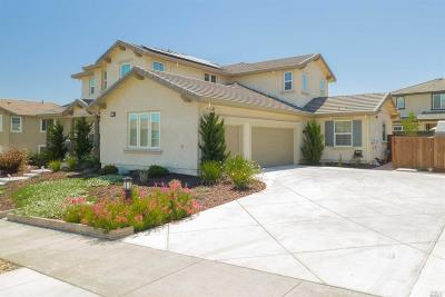 Vacaville Single Family Home For Sale: 207 Deer Branch Lane
