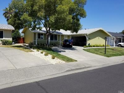 Vacaville Single Family Home For Sale: 186 Glacier Circle