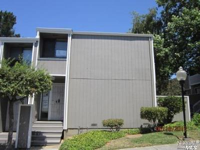 Vallejo Condo/Townhouse For Sale: 165 Oddstad Drive #36