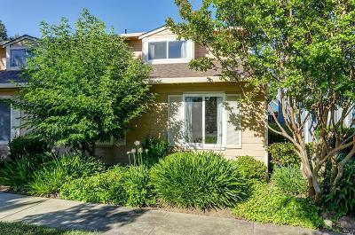 Vacaville Single Family Home For Sale: 2610 Nut Tree Road