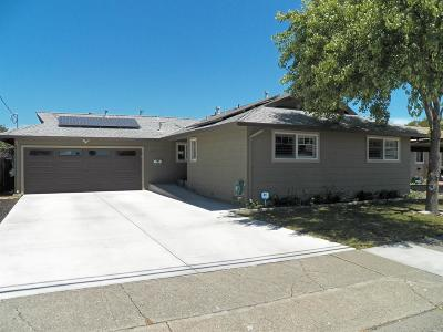 Santa Rosa Single Family Home For Sale: 3387 Mayette Avenue