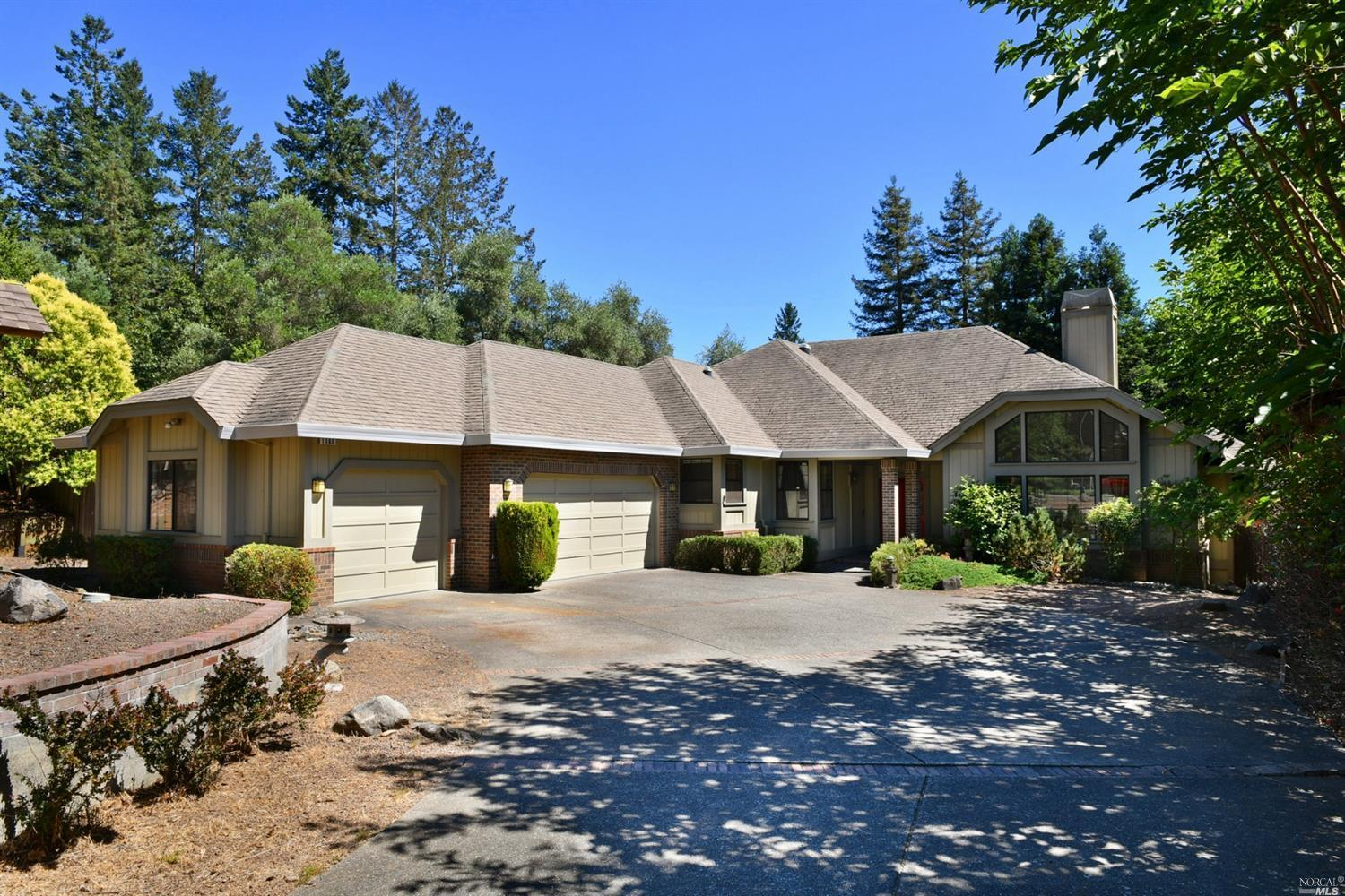 4 bed / 2 full, 1 partial baths Home in Santa Rosa for $1,295,000