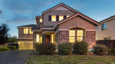 Suisun City Single Family Home For Sale: 1736 Dover Circle