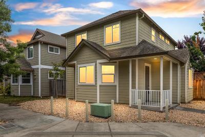 Santa Rosa Single Family Home For Sale: 754 Zuur Street