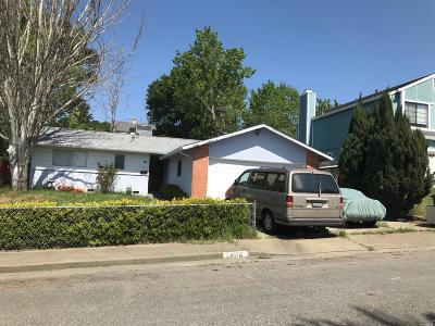 Vallejo Single Family Home For Sale: 406 Swan Way