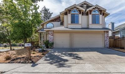 Petaluma CA Single Family Home For Sale: $828,000