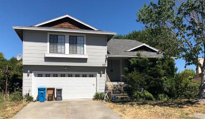 Vallejo Single Family Home For Sale: 137 Mainsail Court