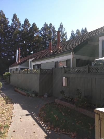 Rohnert Park Condo/Townhouse For Sale: 5086 Country Club Drive