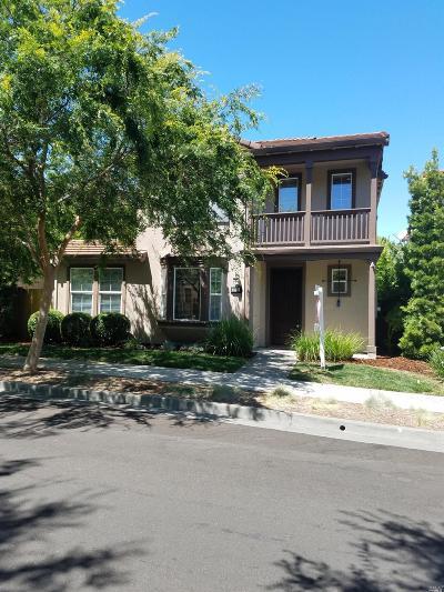 Santa Rosa Single Family Home For Sale: 2183 Nectarine Drive
