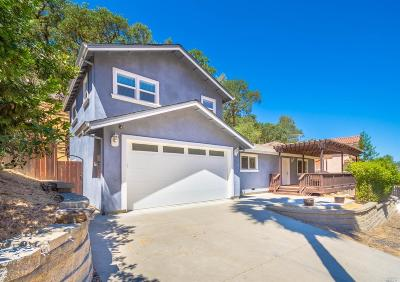 Napa Single Family Home Contingent-Show: 1089 Headlands Drive