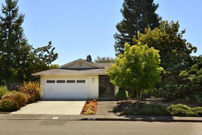Single Family Home For Sale: 152 Oak Shadow Drive