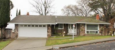 Vacaville Single Family Home For Sale: 430 La Cresta Drive