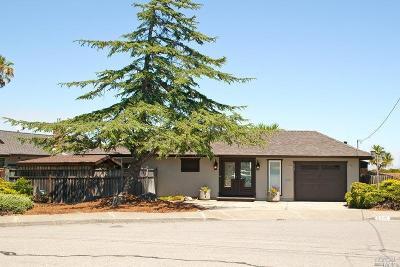 Single Family Home For Sale: 325 Montego Key