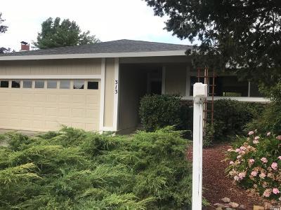 Healdsburg Single Family Home For Sale: 313 Mountain View Drive