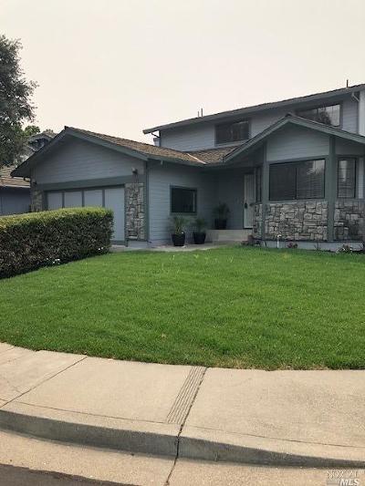 Vacaville Single Family Home For Sale: 148 Woodridge Circle