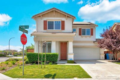 Vacaville Single Family Home For Sale: 490 Cache Court