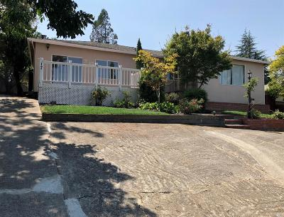 Petaluma Single Family Home For Sale: 17 Cleveland Lane