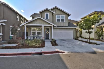 Petaluma Single Family Home For Sale: 1409 Yarberry Lane