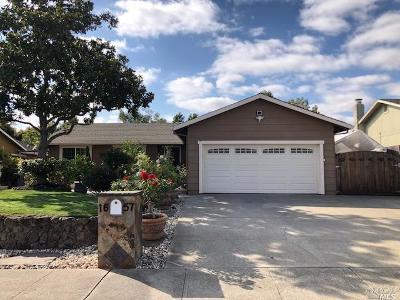 Petaluma Single Family Home For Sale: 1657 Moclips Drive