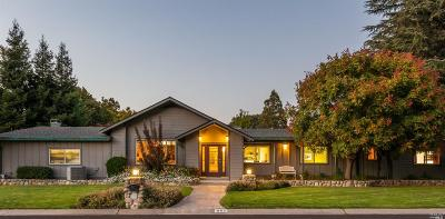 Fairfield Single Family Home For Sale: 802 Via Palo Linda