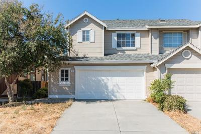 Suisun City Single Family Home For Sale: 385 Flagstone Circle