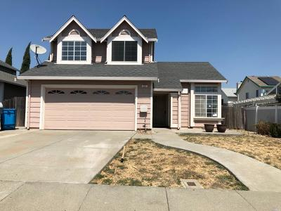 Vacaville Single Family Home Contingent-Show: 251 Somerville Drive