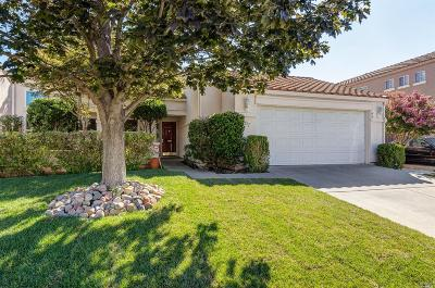 Vacaville Single Family Home For Sale: 607 Valley Oak Drive