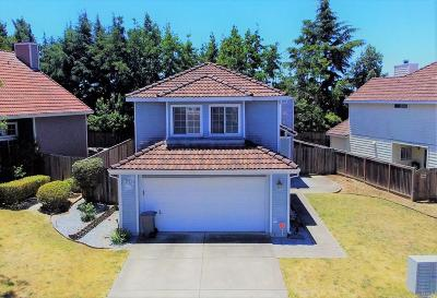 Vallejo Single Family Home For Sale: 715 Knights Circle