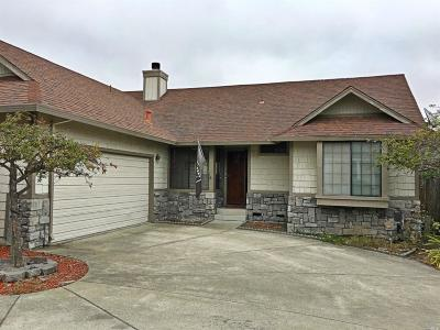 Petaluma Single Family Home For Sale: 927 Wood Sorrel Drive