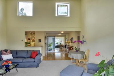 Marin County Condo/Townhouse For Sale: 304 Larkspur Plaza Drive