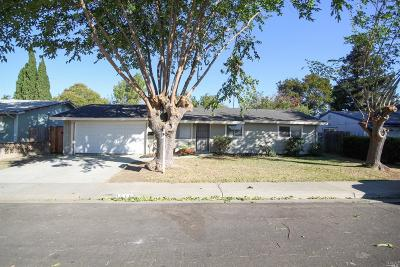 Suisun City Single Family Home For Sale: 216 Long Street