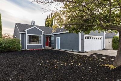 Vallejo Single Family Home For Sale: 513 Swan Way