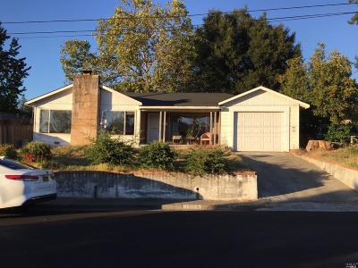 Santa Rosa Single Family Home For Sale: 1003 Crest Drive