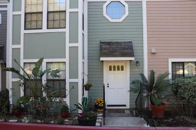 Benicia Condo/Townhouse For Sale: 707 Military Street East