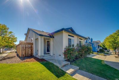 Santa Rosa Single Family Home For Sale: 2175 Tokay Street