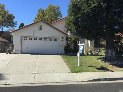 Vacaville Single Family Home For Sale: 212 Sungate Court