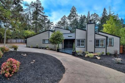 Santa Rosa Single Family Home For Sale: 2644 Knob Hill Drive