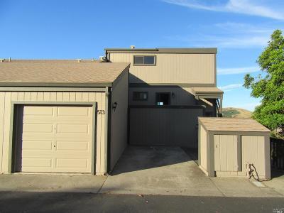 El Cerrito Single Family Home For Sale: 513 Vista Heights Road