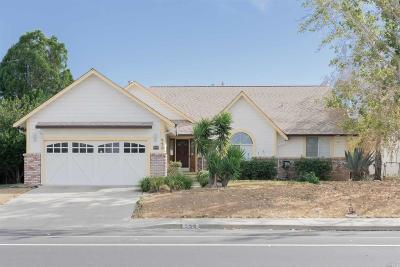 Vacaville Single Family Home For Sale: 550 Yellowstone Drive