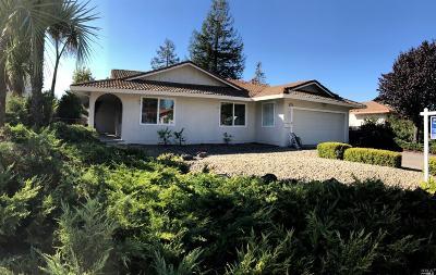 Rohnert Park Single Family Home For Sale: 5739 Davis Circle