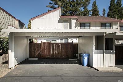 Marin County Condo/Townhouse For Sale: 407 Scotia Lane