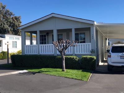 Petaluma Mobile Home For Sale: 122 Candlewood Drive #122