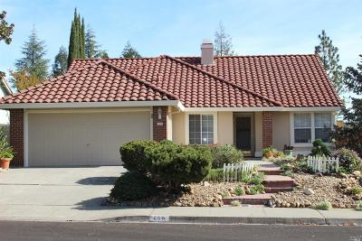 Vacaville Single Family Home For Sale: 608 Rambleton Drive