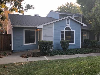 Vacaville Condo/Townhouse For Sale: 3654 Alamo Drive