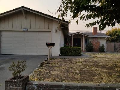 Vallejo Single Family Home For Sale: 1131 Roleen Drive