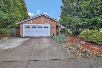 Vacaville Single Family Home For Sale: 242 Marin Court